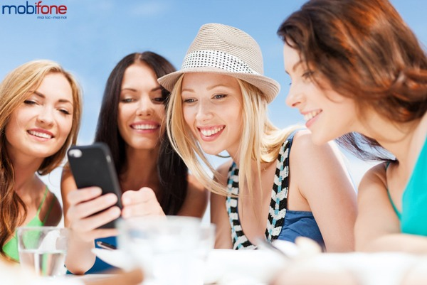 khuyến mãi Mobifone tặng 50% giá trị thẻ nạp ngày 26/1/2017