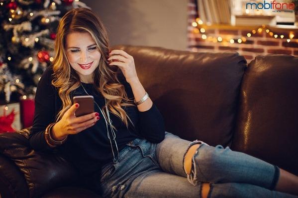 Mobifone khuyến mãi 50% giá trị thẻ nạp tại cửa hàng ngày 27/1/2017